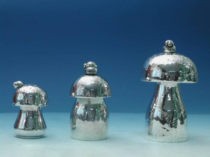 Oggetti da tavola in argento: Funghi
