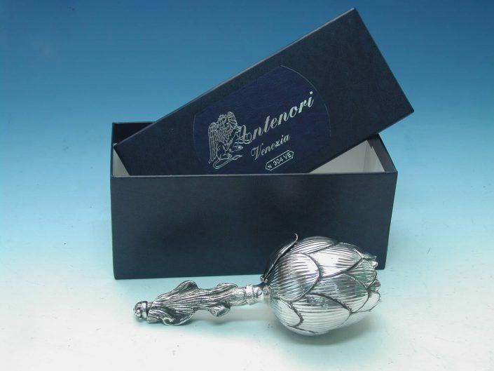 Oggetti da tavola in argento: Carciofo