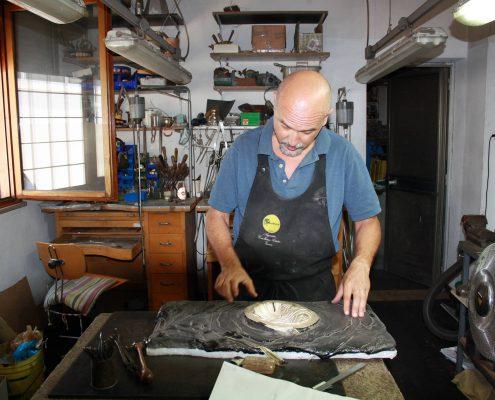 Gabriele Antenori nel laboratorio